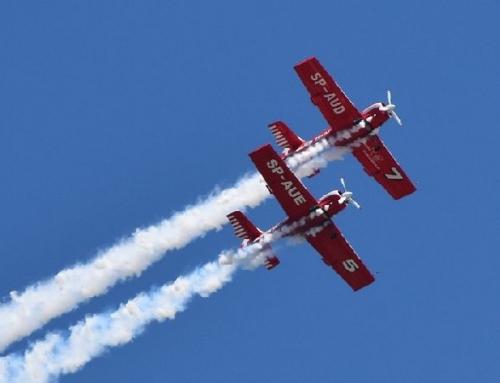 Pokaz lotniczy na Twojej imprezie – wynajem akrobacji lotniczych