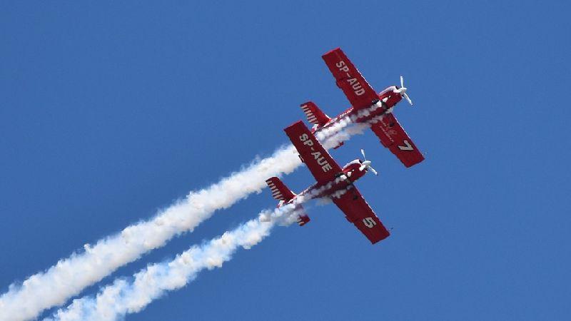 Pokaz lotniczy na Twojej imprezie - wynajem akrobacji lotniczych