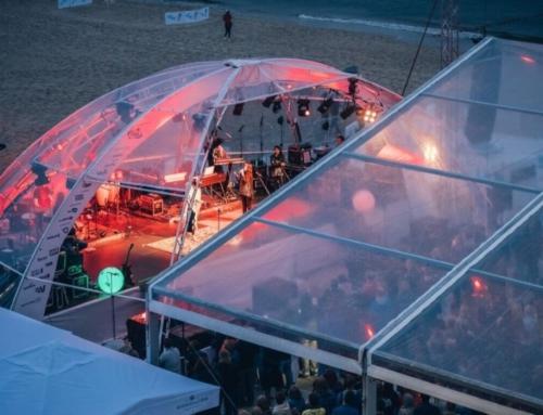 Impreza pod namiotem
