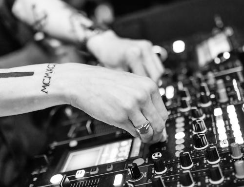 Jak dobrać odpowiednią muzykę do organizowanego wydarzenia?