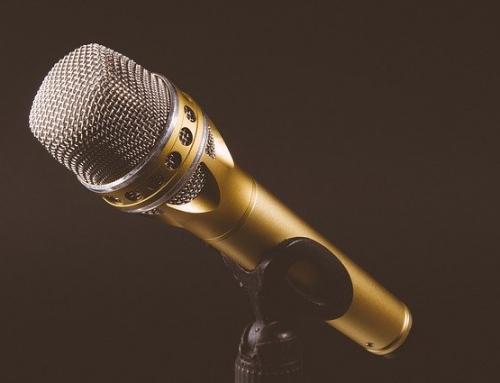 Wynajem mikrofonu bezprzewodowego do karaoke na wyjazdy integracyjne