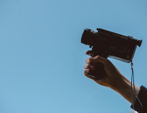 Wynajem sprzętu do filmowania na wyjazd firmowy – dlaczego warto?