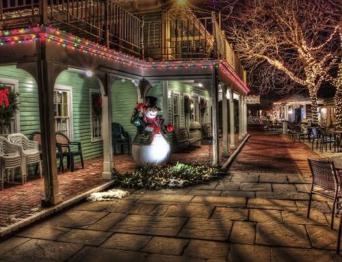 Firmowy bal bożonarodzeniowy z motywem baśniowego świata