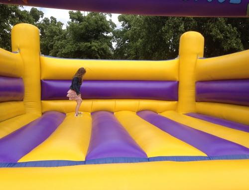 Dmuchany zamek na imprezę dla dzieci