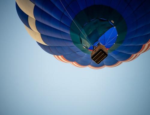 Wyjątkowy lot balonem nad miastem