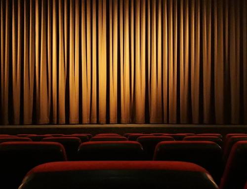 Dlaczego warto wybrać się do teatru?