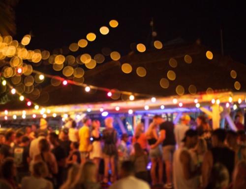Impreza na plaży – jak ją zorganizować?