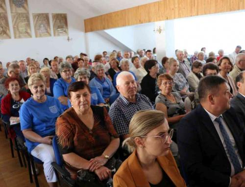 Konferencja dla seniorów – czym się różni od innych?