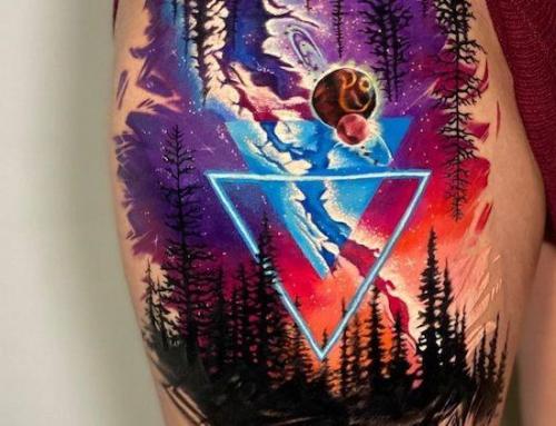 Stoisko z neonowymi tatuażami