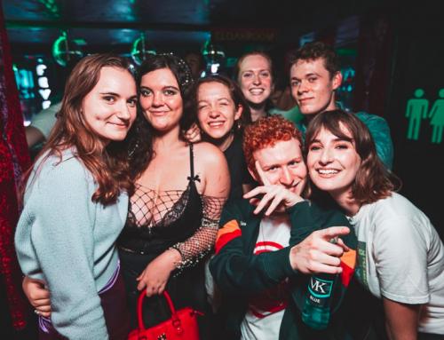 Impreza tematyczna stylizowana na Oxford