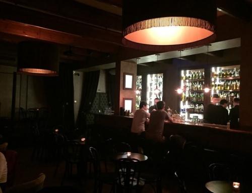 Wyjazd firmowy do speakeasy w Krakowie, czyli w poszukiwaniu ukrytego baru